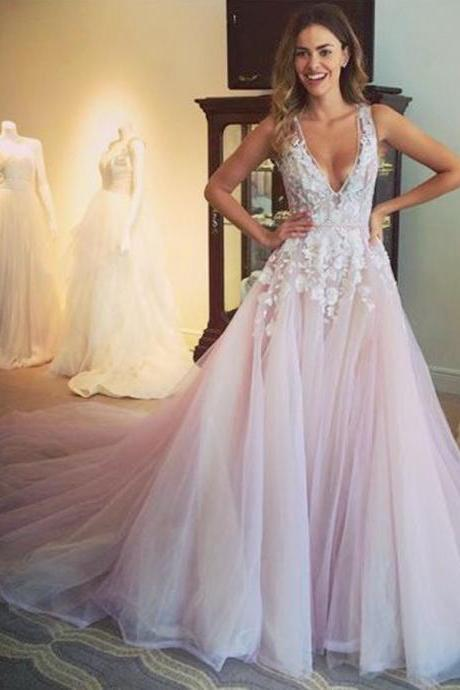 Glamorous V-neck Sweep Train Lace Prom Dresses with Appliques